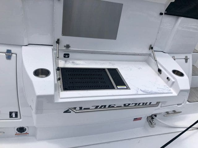 2022 Cruisers Yachts boat for sale, model of the boat is 50CANTIUS & Image # 44 of 48