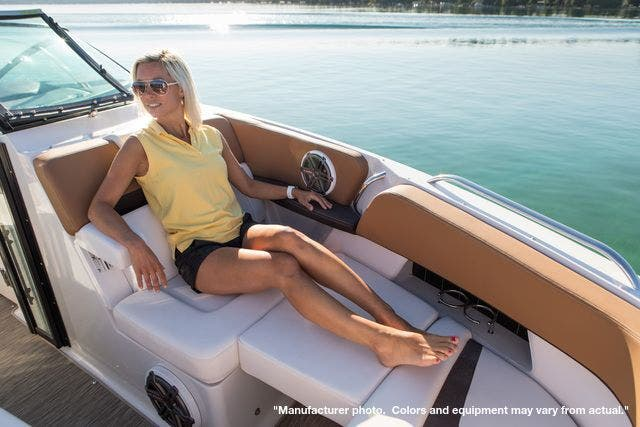 2022 Four Winns boat for sale, model of the boat is 290H & Image # 8 of 11