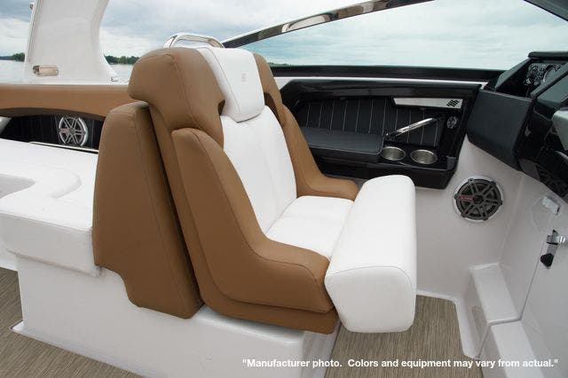 2022 Four Winns boat for sale, model of the boat is 290H & Image # 6 of 11