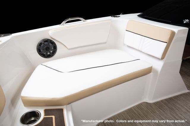 2022 Glastron boat for sale, model of the boat is 180GTD & Image # 8 of 19