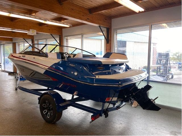 2022 Glastron boat for sale, model of the boat is 195GX & Image # 3 of 15