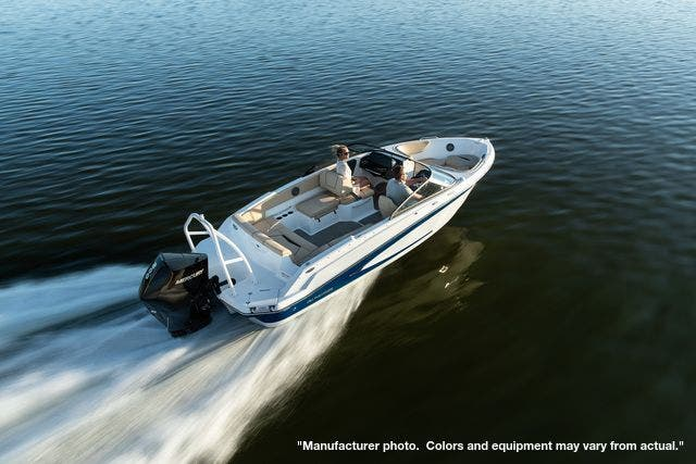 2022 Glastron boat for sale, model of the boat is 210GX & Image # 3 of 15
