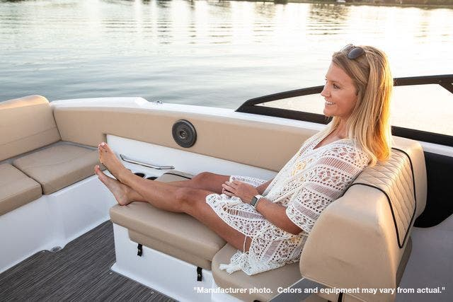 2022 Glastron boat for sale, model of the boat is 210GX & Image # 5 of 15