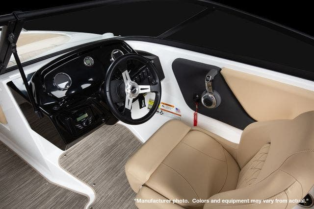 2022 Glastron boat for sale, model of the boat is 210GX & Image # 14 of 15