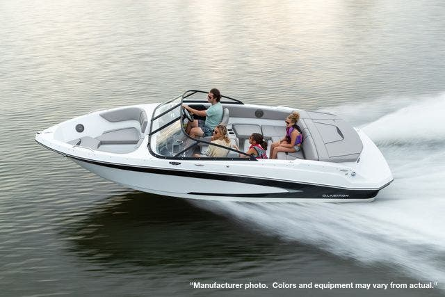 2022 Glastron boat for sale, model of the boat is 215GX & Image # 5 of 27
