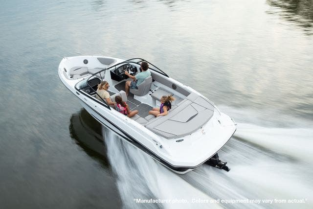 2022 Glastron boat for sale, model of the boat is 215GX & Image # 7 of 27