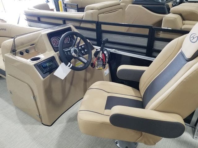2022 Harris boat for sale, model of the boat is 210CX/CS & Image # 9 of 16