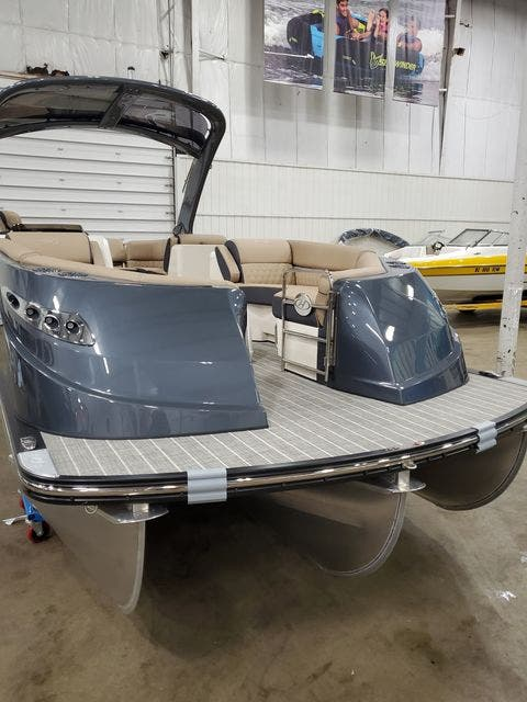 2022 Harris boat for sale, model of the boat is 250CROWNE/SL/TT & Image # 4 of 12