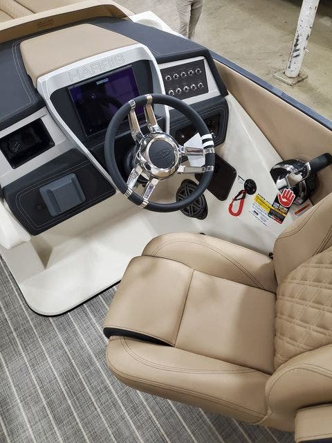 2022 Harris boat for sale, model of the boat is 250CROWNE/SL/TT & Image # 8 of 12