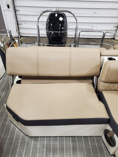 2022 Harris boat for sale, model of the boat is 250CROWNE/SL/TT & Image # 9 of 12