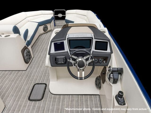 2022 Harris boat for sale, model of the boat is 250Sun/SLDH/TT & Image # 7 of 8