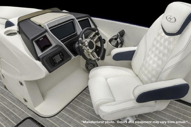 2022 Harris boat for sale, model of the boat is 270CROWNE/SL/TT & Image # 3 of 7
