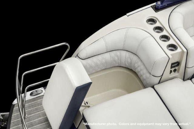 2022 Harris boat for sale, model of the boat is 270CROWNE/SL/TT & Image # 6 of 7