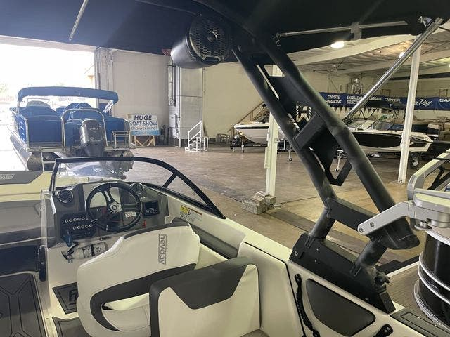 2022 Heyday boat for sale, model of the boat is 25-WTSURF & Image # 4 of 8