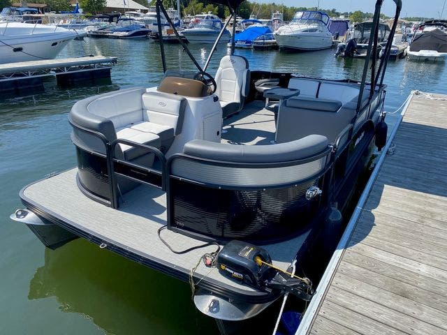 2022 Manitou boat for sale, model of the boat is 20 AURORA & Image # 5 of 13