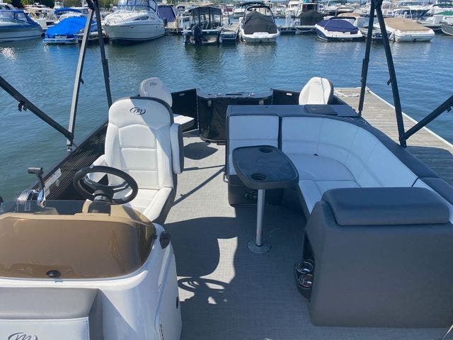 2022 Manitou boat for sale, model of the boat is 20 AURORA & Image # 8 of 13