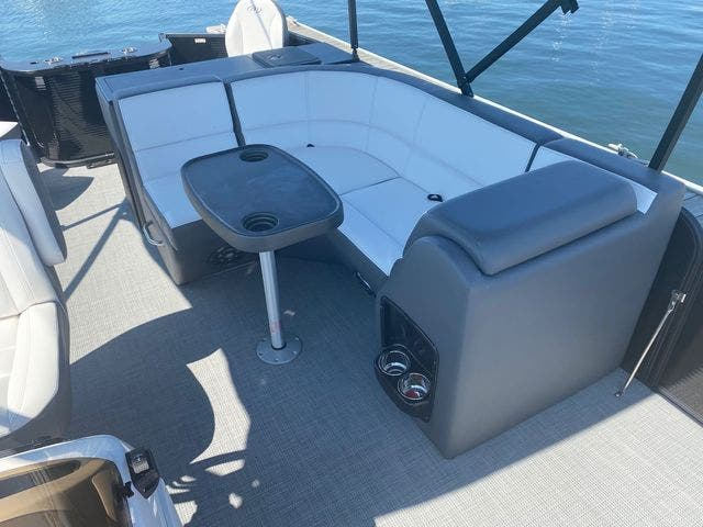 2022 Manitou boat for sale, model of the boat is 20 AURORA & Image # 9 of 13