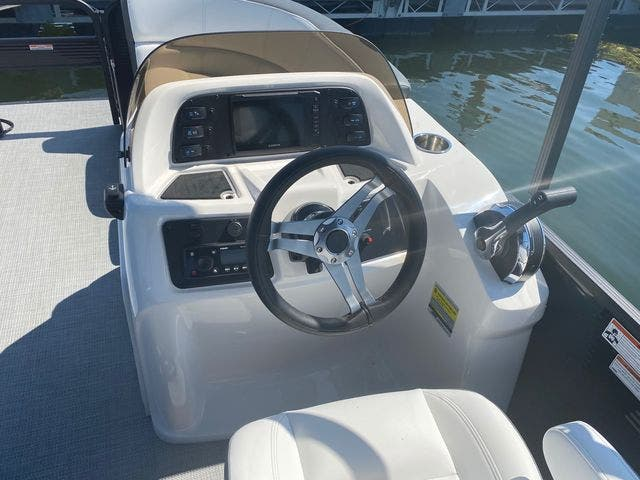 2022 Manitou boat for sale, model of the boat is 20 AURORA & Image # 12 of 13