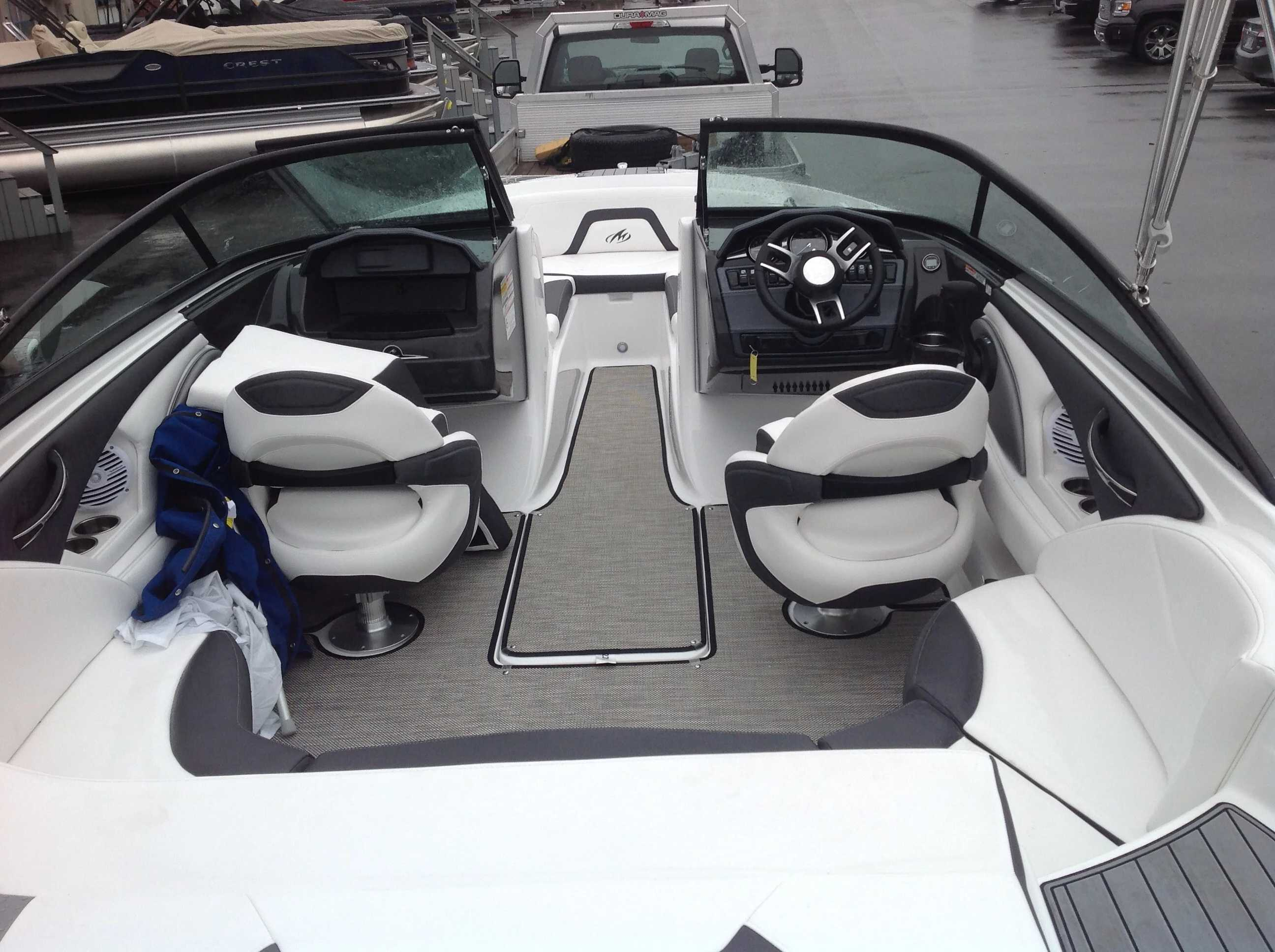 2022 Monterey boat for sale, model of the boat is 224FS & Image # 8 of 10