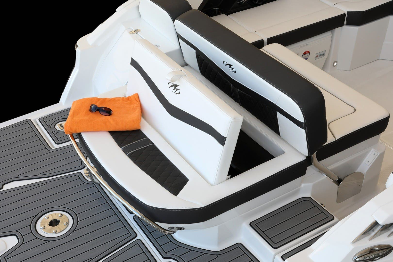2022 Monterey boat for sale, model of the boat is 258ss & Image # 6 of 6