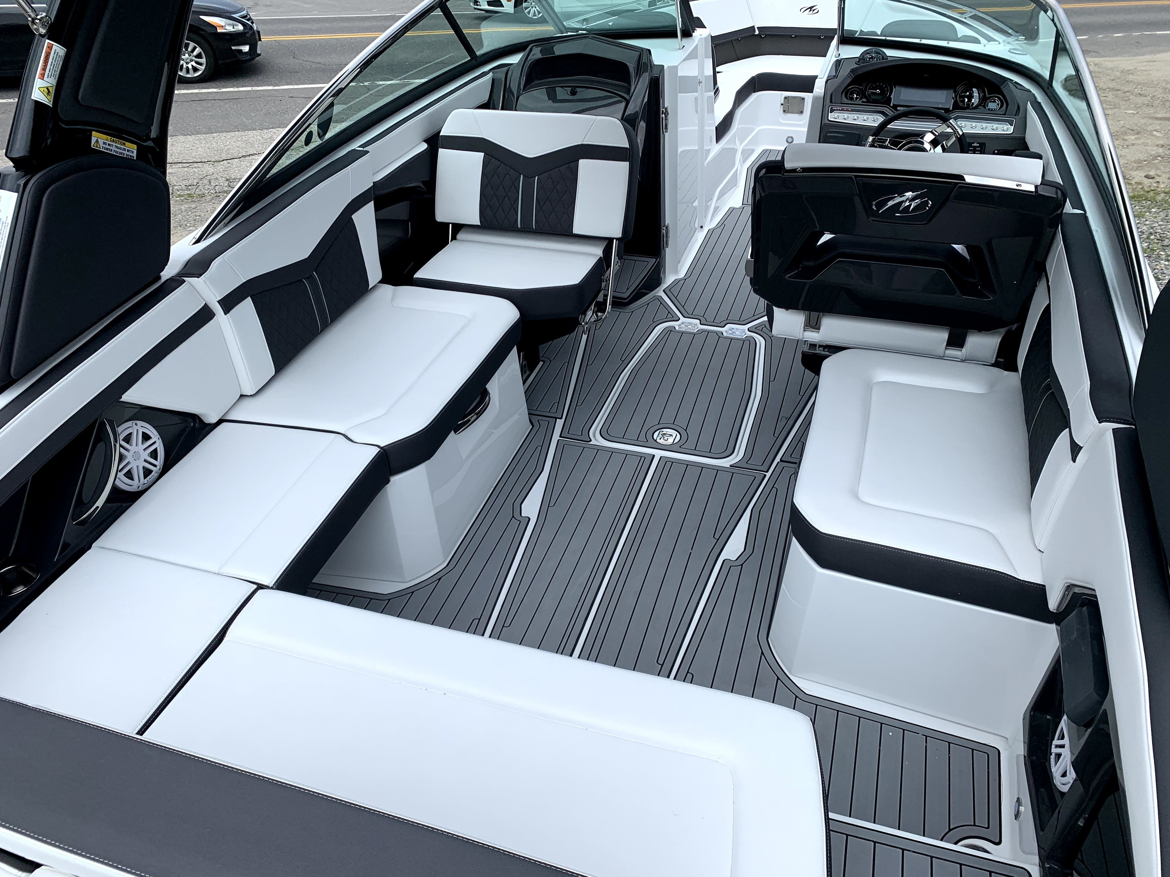 2022 Monterey boat for sale, model of the boat is 278SS & Image # 10 of 14