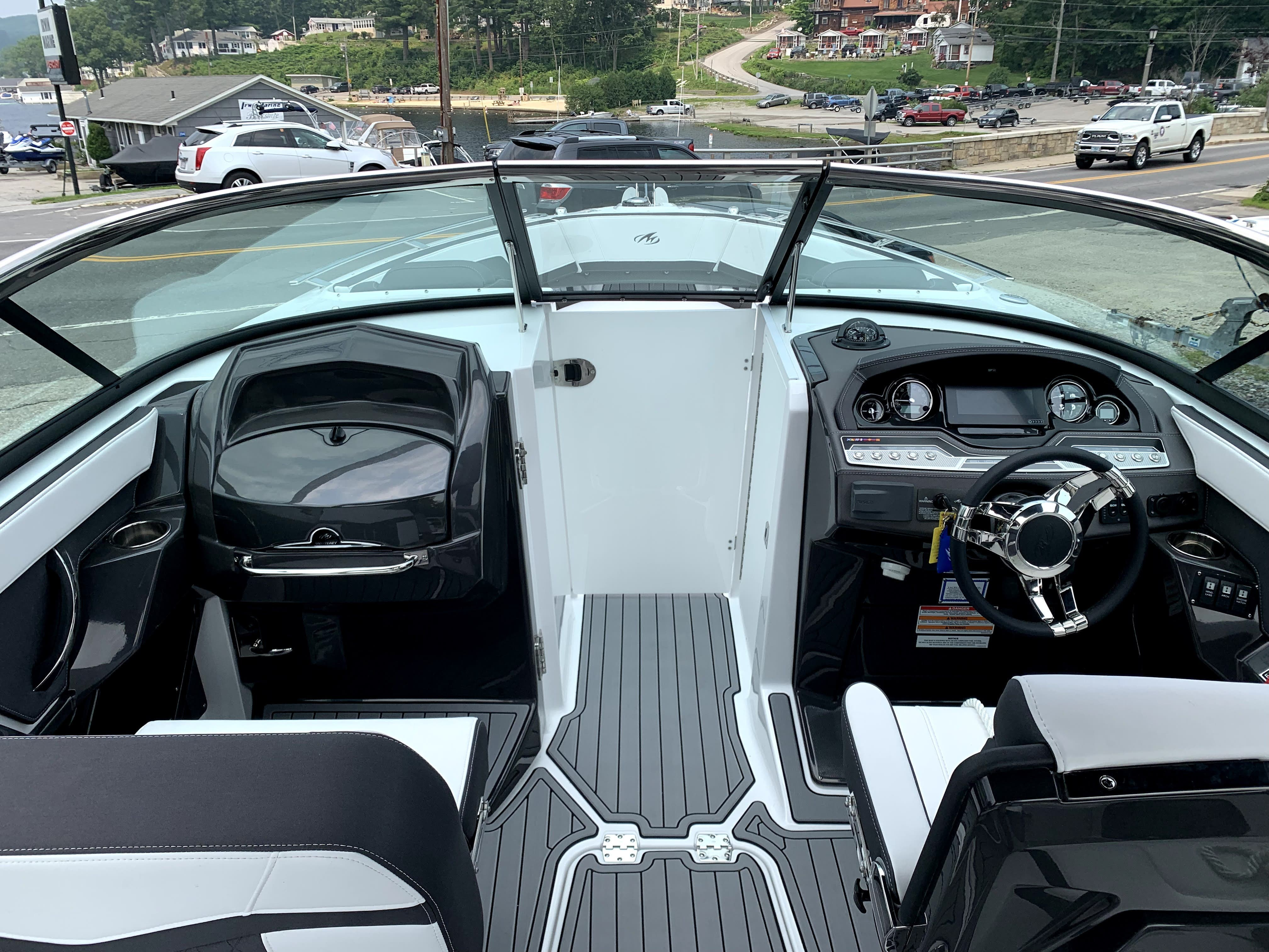 2022 Monterey boat for sale, model of the boat is 278SS & Image # 12 of 14