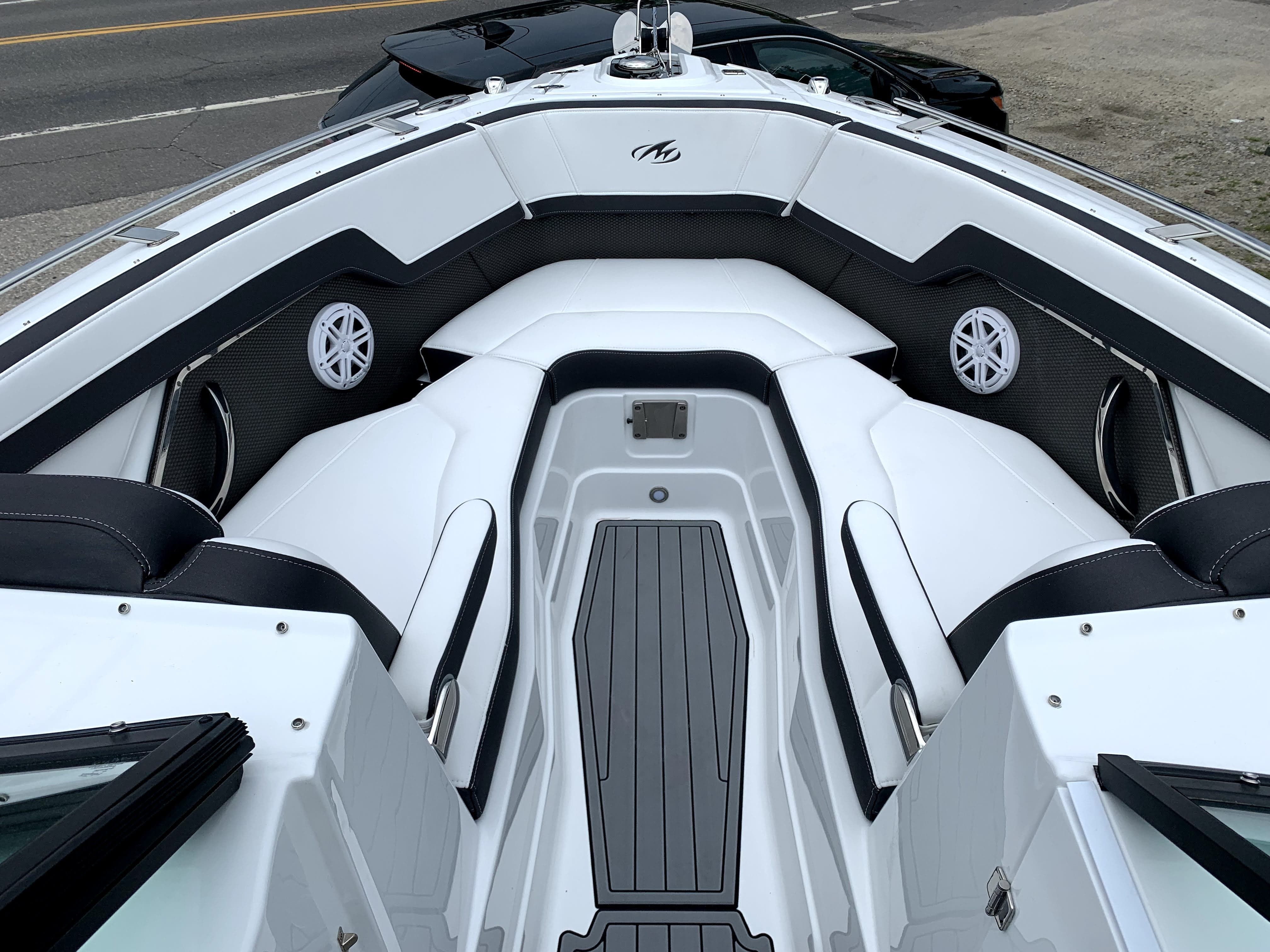 2022 Monterey boat for sale, model of the boat is 278SS & Image # 11 of 14