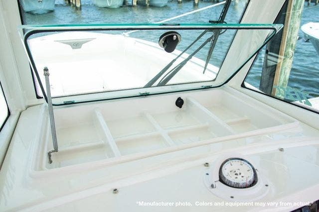 2022 Sailfish Boats boat for sale, model of the boat is 272CC & Image # 4 of 7