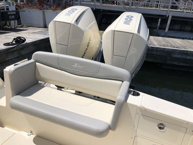2022 Scout boat for sale, model of the boat is 305LXF & Image # 7 of 26