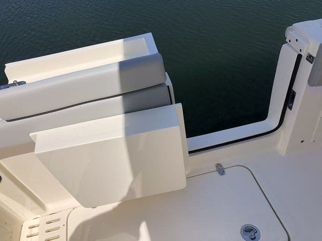 2022 Scout boat for sale, model of the boat is 305LXF & Image # 12 of 26