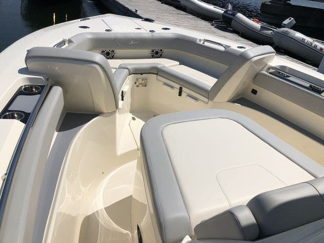 2022 Scout boat for sale, model of the boat is 305LXF & Image # 18 of 26
