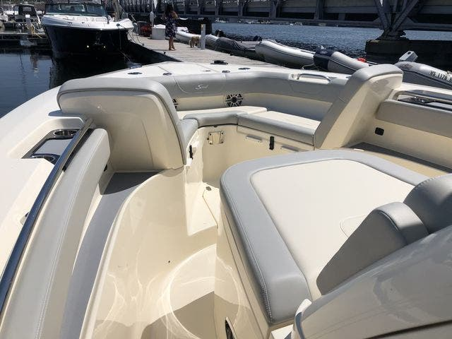 2022 Scout boat for sale, model of the boat is 305LXF & Image # 19 of 26