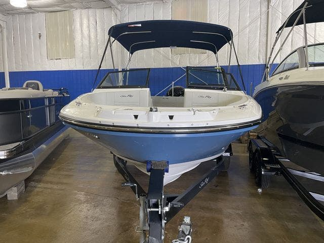 2022 Sea Ray boat for sale, model of the boat is 190SPXO & Image # 6 of 8