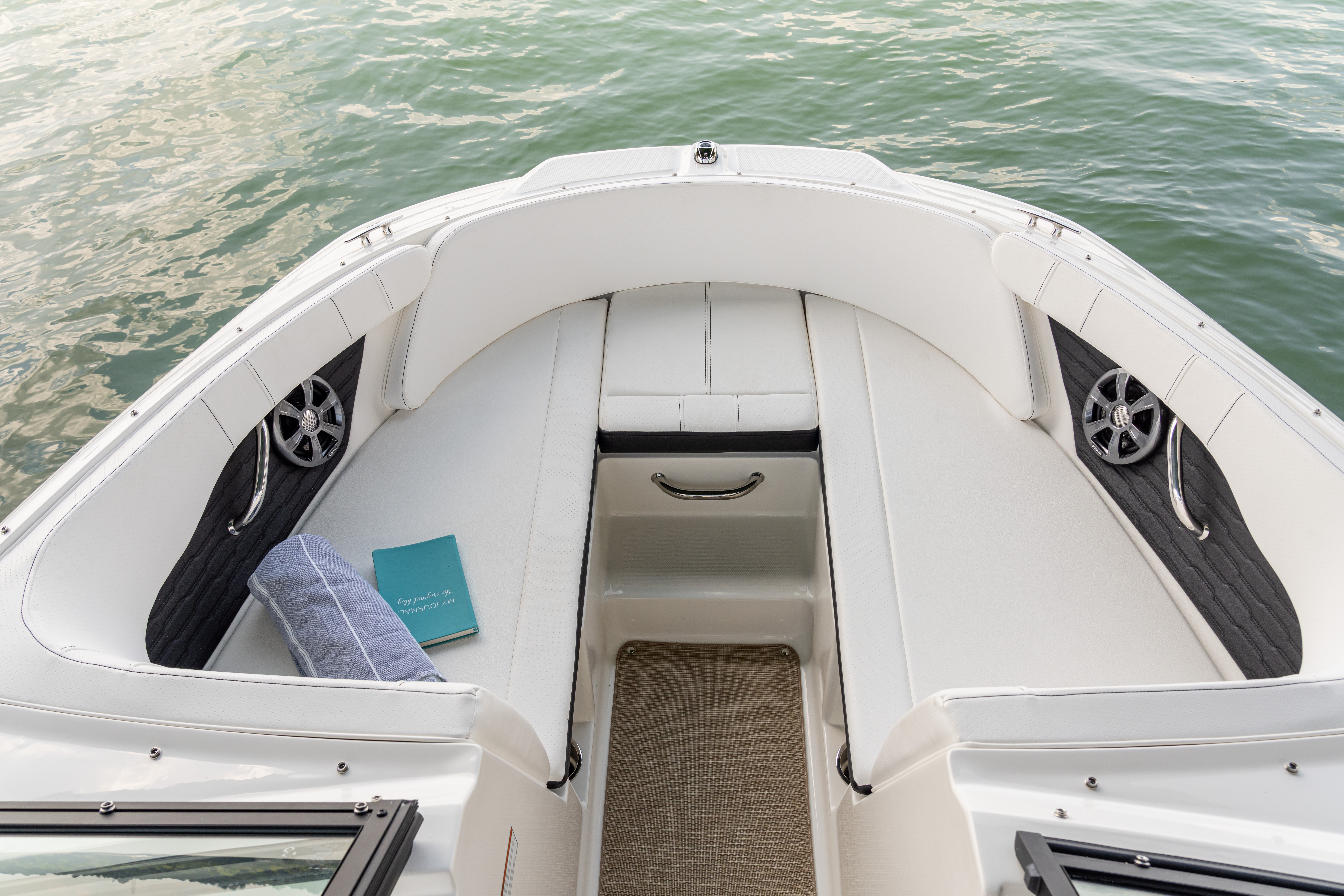 2022 Sea Ray boat for sale, model of the boat is 190spx & Image # 5 of 6