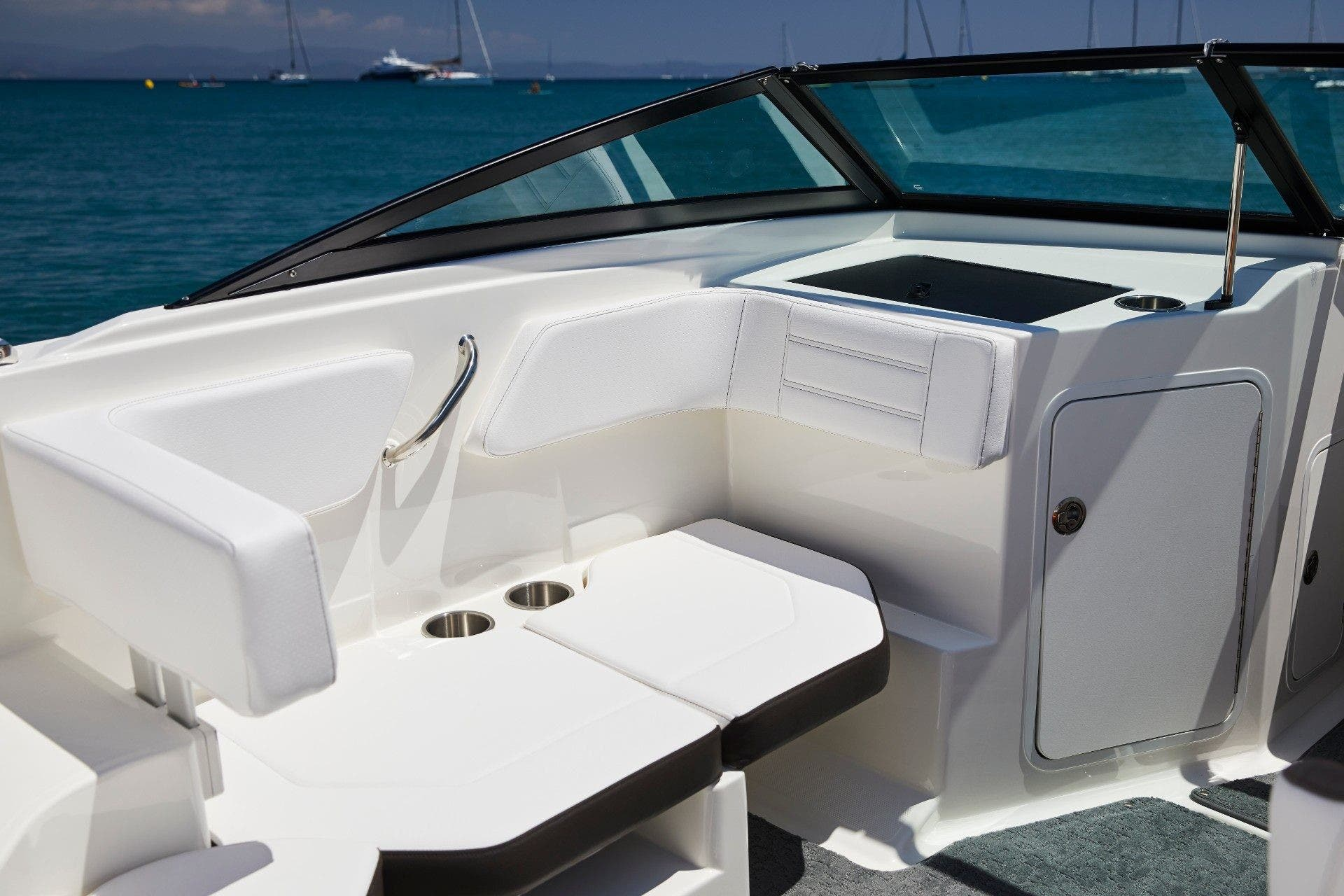 2022 Sea Ray boat for sale, model of the boat is 190spxo & Image # 4 of 5