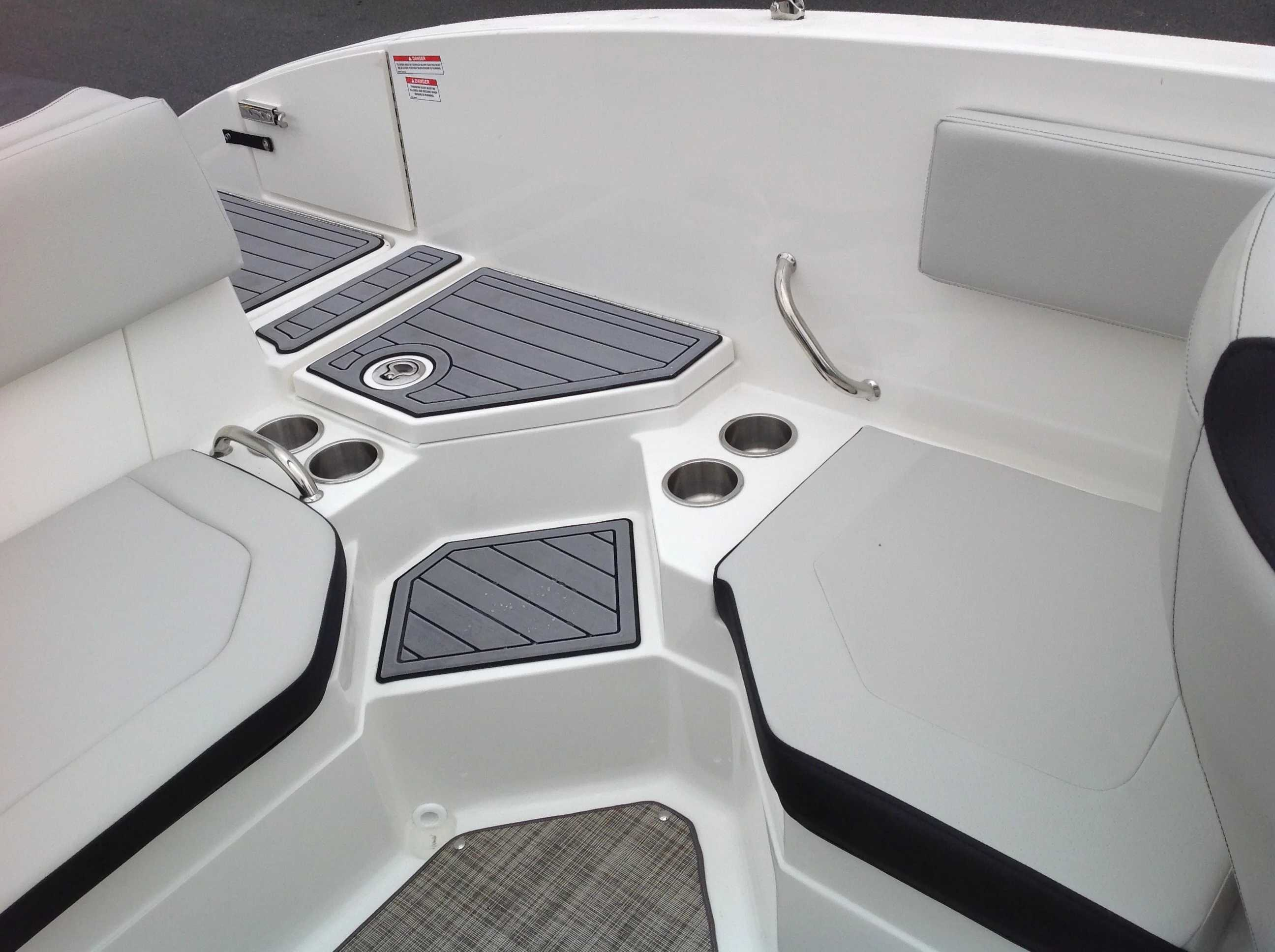 2022 Sea Ray boat for sale, model of the boat is 210spx & Image # 6 of 8