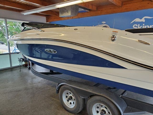 2022 Sea Ray boat for sale, model of the boat is 230SPX & Image # 3 of 23