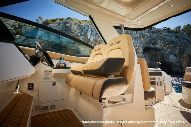 2022 Sea Ray boat for sale, model of the boat is 320DA & Image # 4 of 10
