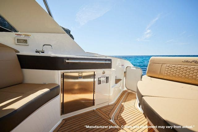 2022 Sea Ray boat for sale, model of the boat is 320DA & Image # 6 of 10