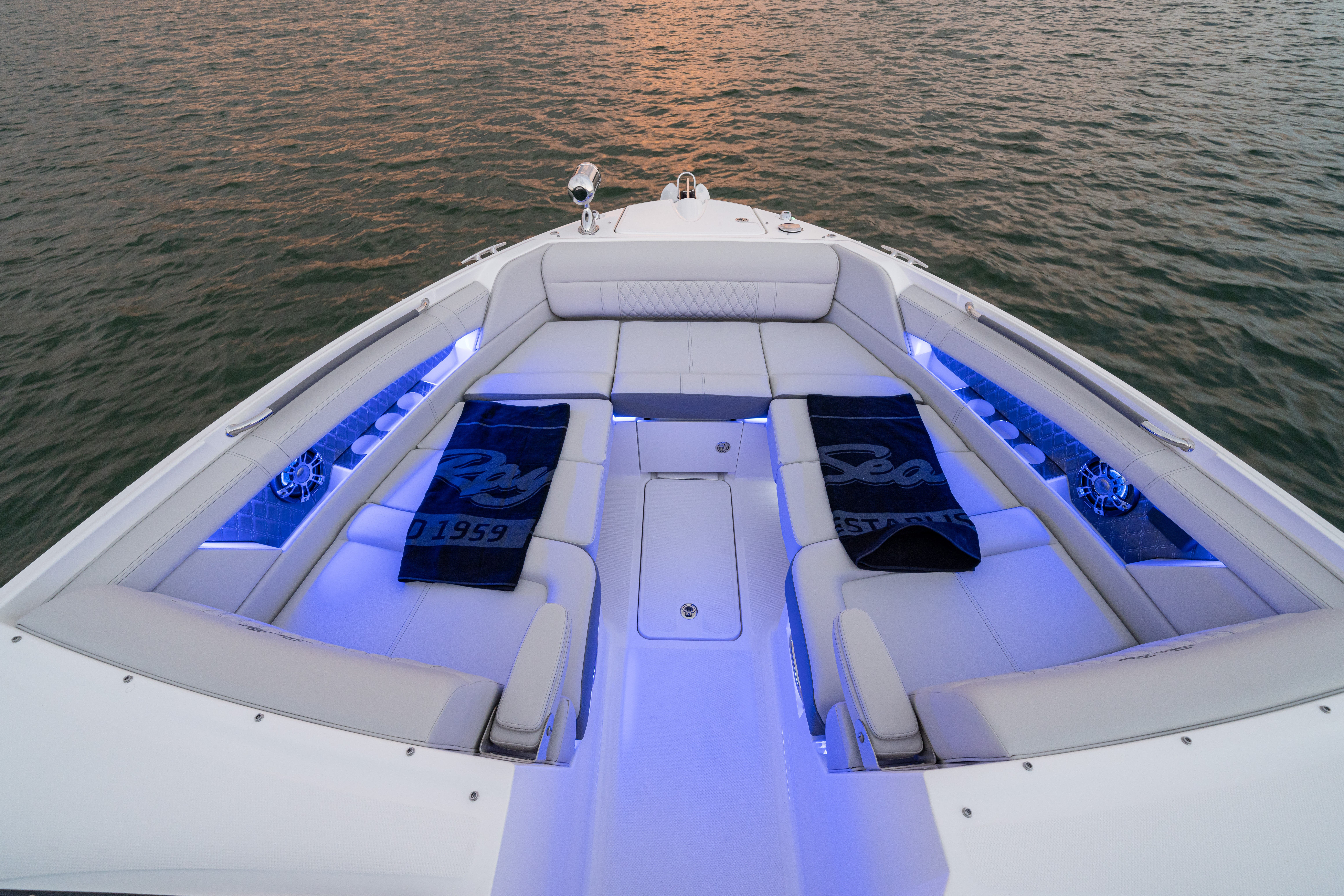 2022 Sea Ray boat for sale, model of the boat is 350slx & Image # 8 of 11