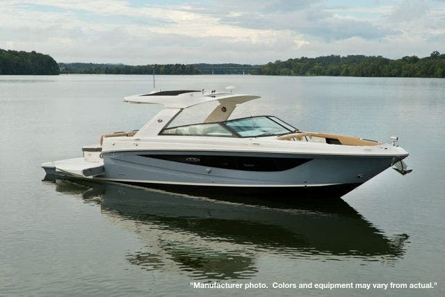 2022 Sea Ray boat for sale, model of the boat is 400SLX & Image # 3 of 11