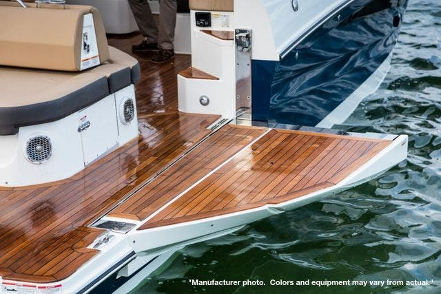 2022 Sea Ray boat for sale, model of the boat is 400SLX & Image # 5 of 11