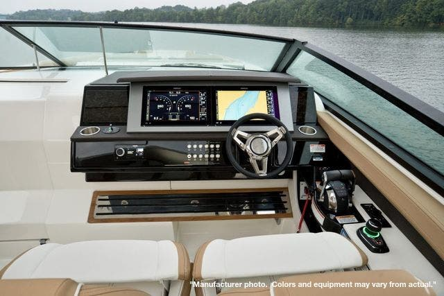 2022 Sea Ray boat for sale, model of the boat is 400SLX & Image # 8 of 11