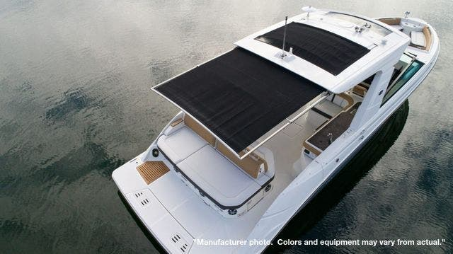 2022 Sea Ray boat for sale, model of the boat is 400SLX & Image # 10 of 11