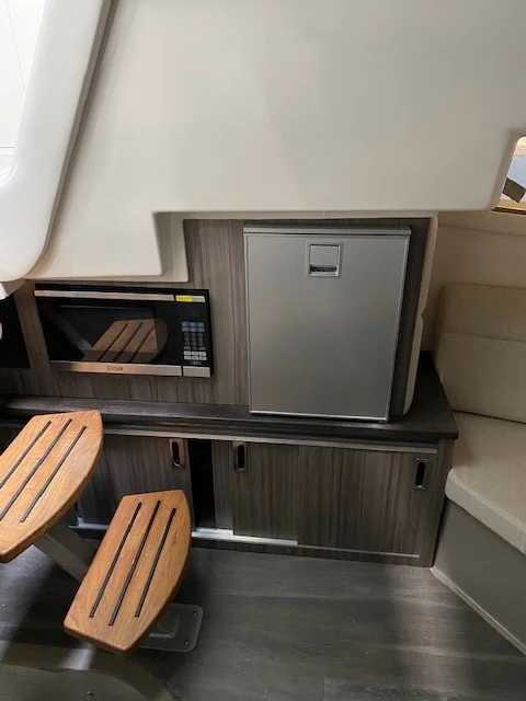 2022 Sea Ray boat for sale, model of the boat is 320 Sundancer & Image # 13 of 13