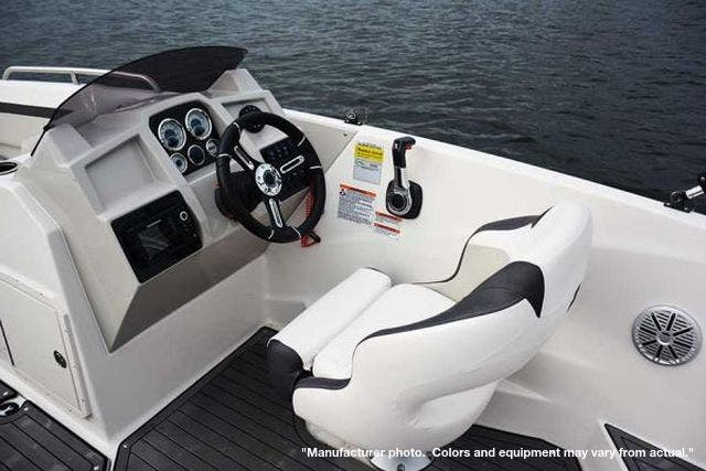 2022 Starcraft boat for sale, model of the boat is 211SVX/OB & Image # 5 of 8