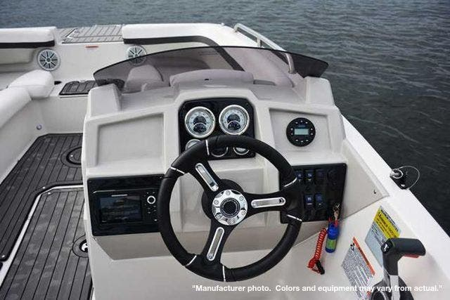 2022 Starcraft boat for sale, model of the boat is 211SVX/OB & Image # 6 of 8