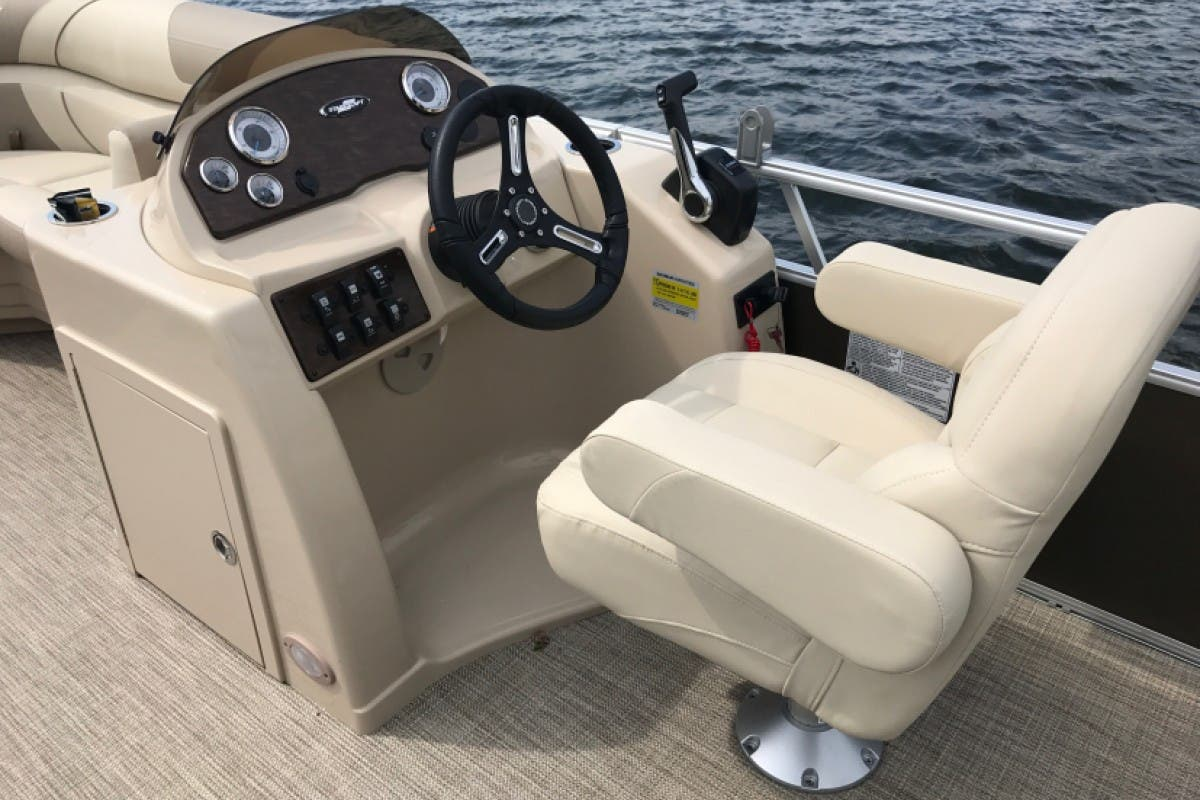 2022 Starcraft boat for sale, model of the boat is EX 20C & Image # 8 of 13