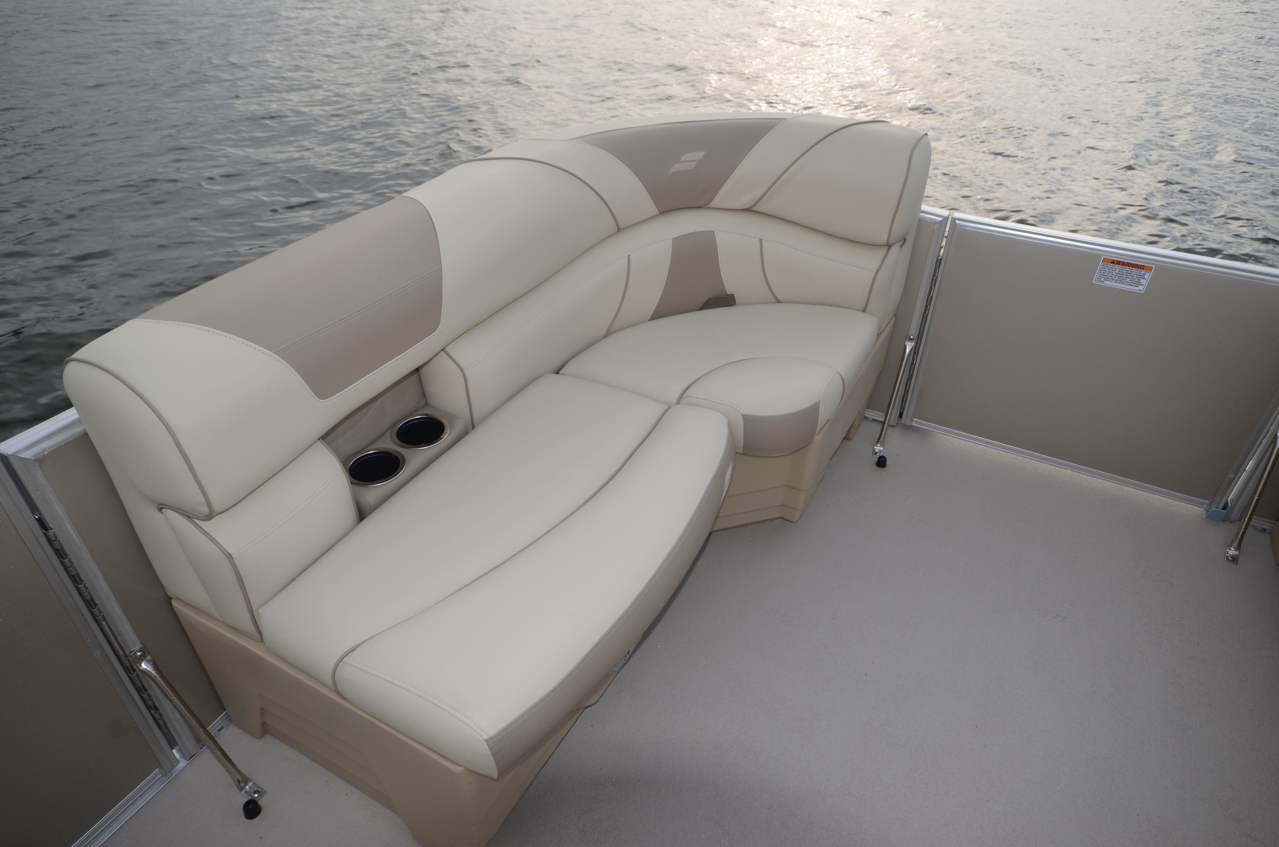 2022 Starcraft boat for sale, model of the boat is EX 20C & Image # 4 of 13