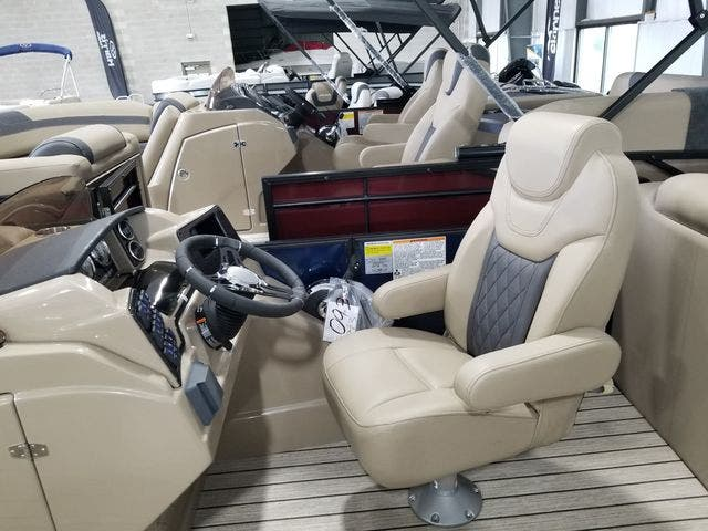 2022 Starcraft boat for sale, model of the boat is SLS3TT & Image # 5 of 12